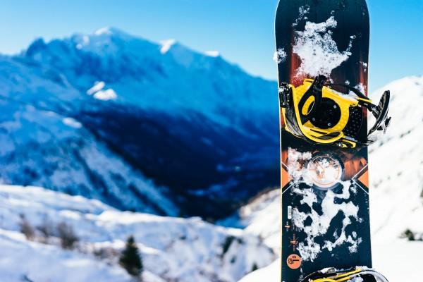Hvordan gjøre en opprydding i ski og skiutstyr