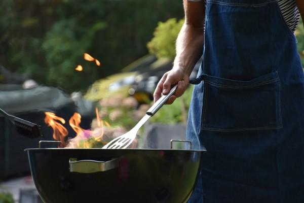 Opprydding og organisering av grill og grillutstyr